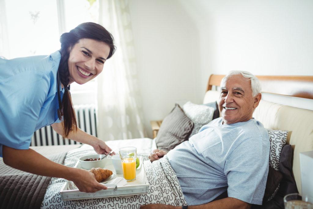 aide à domicile-senior-repas